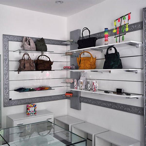 Progettazione e arredamenti per negozi a milano arredoshop for Ditte arredamento