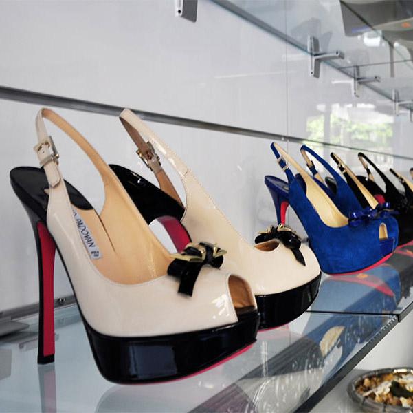... è fondamentale rivolgersi a una ditta specializzata nel settore  dell arredamento negozi. A Milano 23d27817ad3