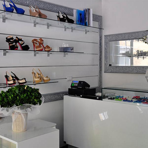 abbastanza Arredamento negozio di calzature Milano - ARREDOSHOP AW36