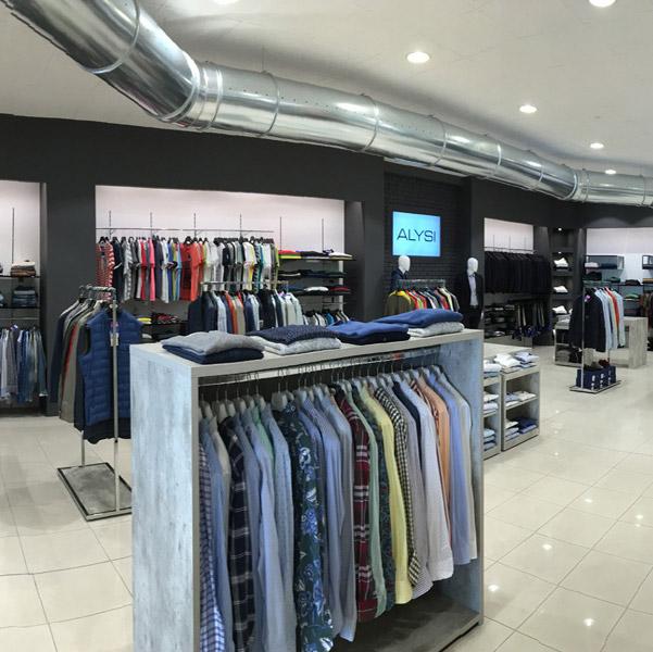 Progettazione e arredamenti per negozi a milano arredoshop for Negozi arredamento lombardia
